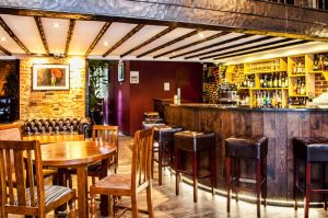 FitzGerald Photographic_Chapter 12 Wine Bar_Sussex Commercial Photographer (2).jpg